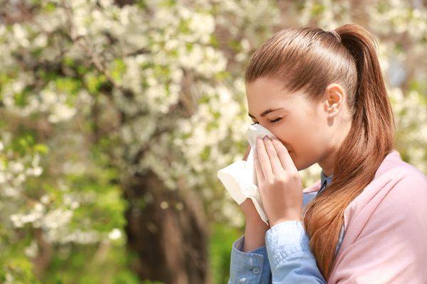 花粉症に効果的なヨガ洗浄方とポーズ