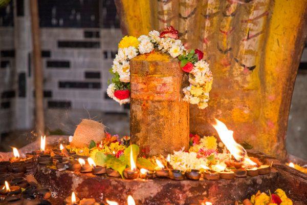 シヴァ神を祀るインドのお祭り