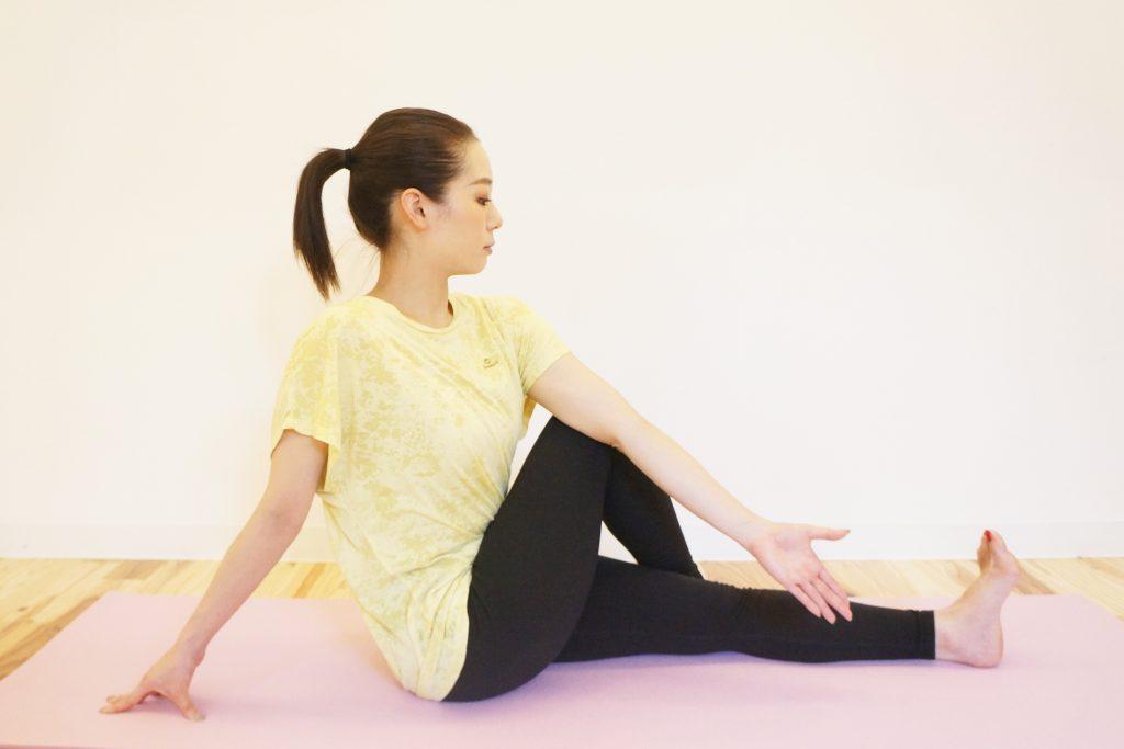 中臀筋のストレッチのやり方