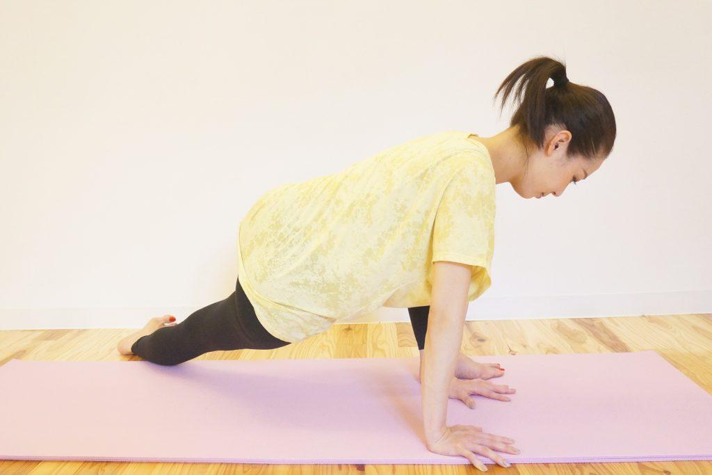 大腿筋膜張筋のストレッチのやり方