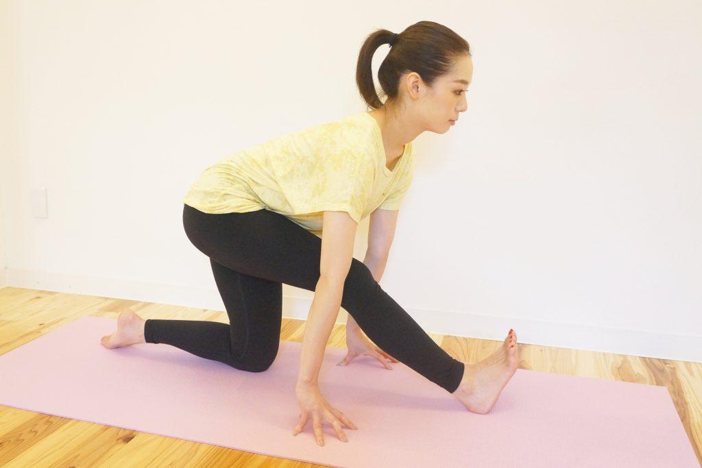 大腿二頭筋のストレッチのやり方