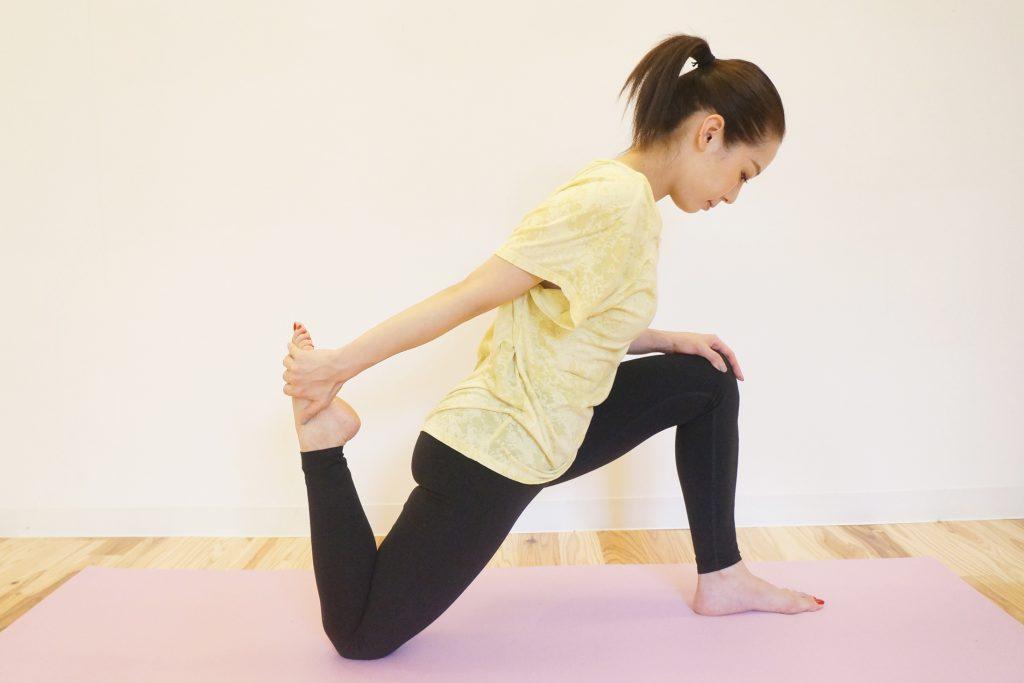 大腿直筋のストレッチのやり方